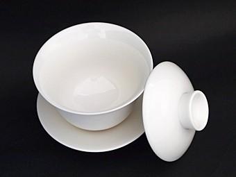 風清堂白磁蓋碗開いた図